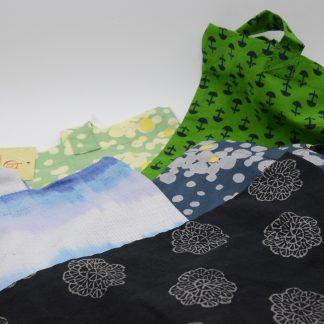 Tote bag bolsa de la compra de algodón y comercio justo hecha por las mujeres de Creative handicrafts, Bombay, India. Para rhacer la compra respetando el medio ambiente.