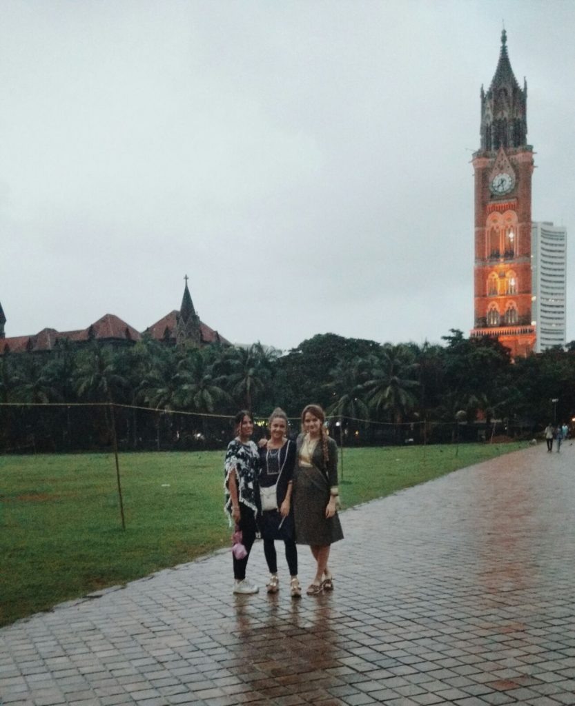 Ana, Sofía y Teresa en Bombay, India