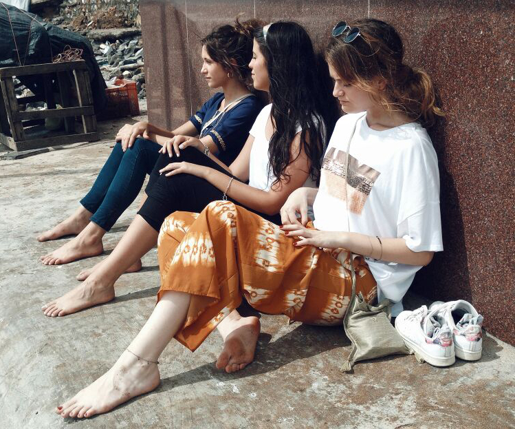 Ana, Sofía y Teresa de aventura en Bombay