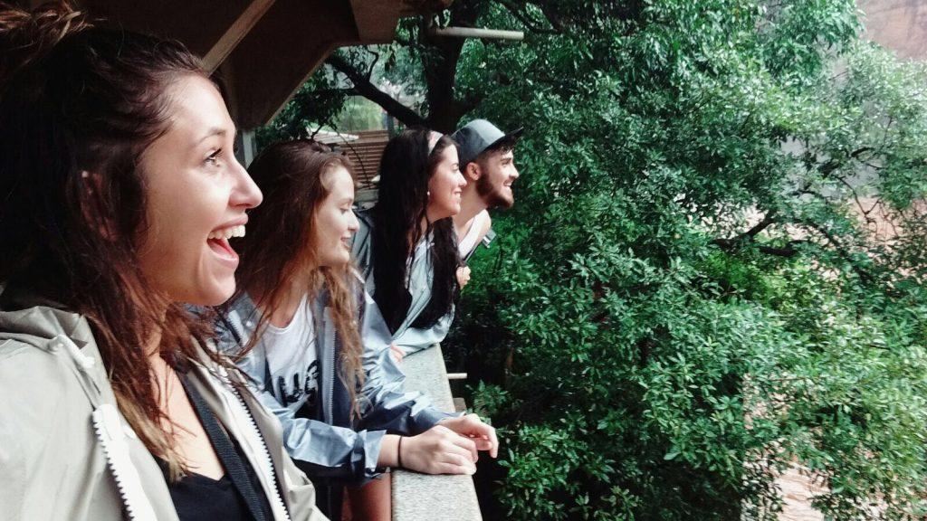 Sofía, Ana y Teresa en su viaje a Goa, India.